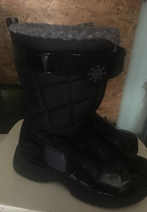 Totes brand Like New Girls Size 11c winter boots rain boots for Sale in East Providence, RI