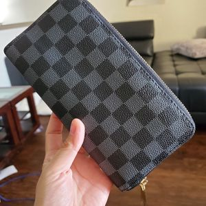 Zippy damier graphite wallet comes with box or dust bag for Sale in Garland, TX
