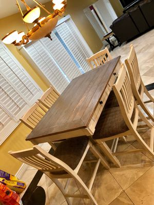 Dining Table with 6 chairs for Sale in Cerritos, CA