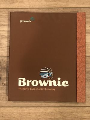 Brownie Girl Scout Guide, Pins, Badges & Journey Award for Sale in El Cajon, CA