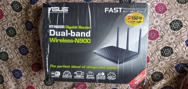 ASUS RTN66R Gigabyte Dual Band Router.