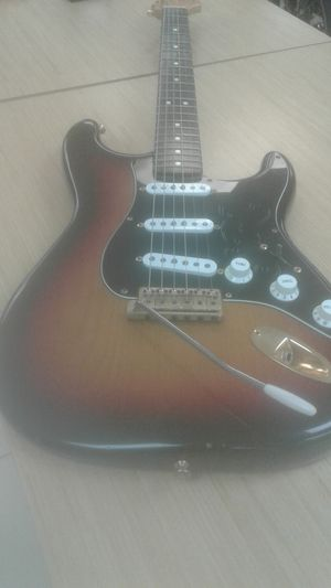 Fender American Stratocaster very good condition for Sale in Fort Lauderdale, FL