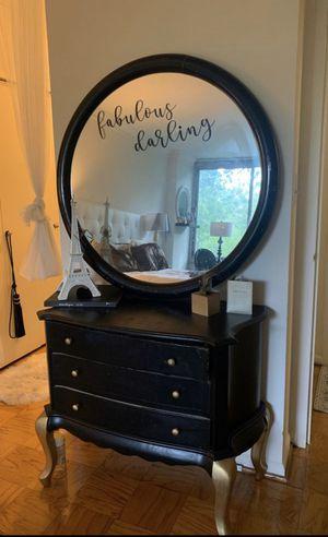 Dresser for Sale in Kensington, MD