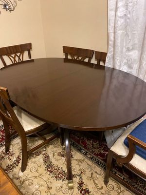 Table Set for Sale in Nitro, WV