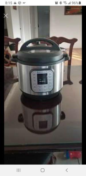 8 qt Instant Pot for Sale in Sunnyside, WA