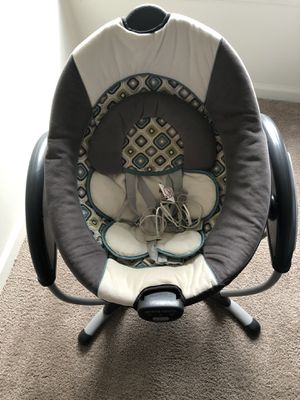 Graco Glider Baby Swing for Sale in Nottingham, MD