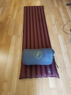 Sleeping bag Big Agnes w/ inflatable mattress for Sale in Los Nietos, CA
