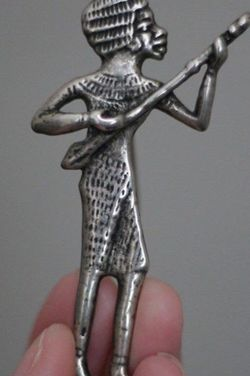Vintage The Metropolitan Museum of Art Instrument Man Brooch Pin Egyptian Motive Silver Tone for Sale in Hicksville,  NY