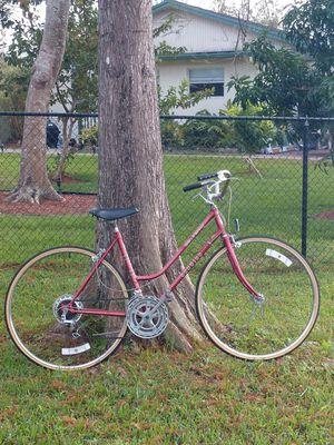 Early 80s Schwinn World Sport bike VINTAGE Cruiser for Sale in Fort Lauderdale, FL