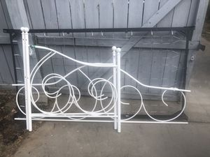 White metal day bed for Sale in Owensboro, KY