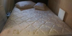 Queen bed for Sale in Lufkin, TX
