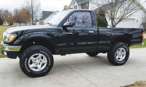 PRICED FOR QUICK SALE TOYOTA TACOMA 2001 for Sale in Macon, GA