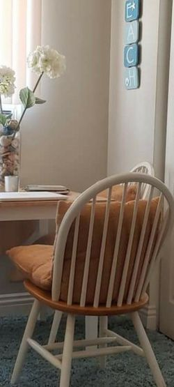 Cute Table for Sale in Huntington Beach,  CA