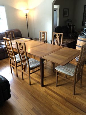 Beautiful Mid Century Table & Chairs for Sale in Orlando, FL