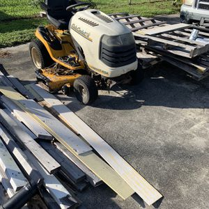 Cub Cadet LT 1554 for Sale in Okeechobee, FL