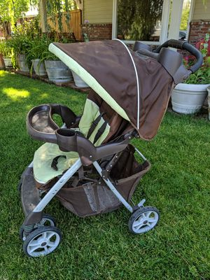 Graco Click Connect Travel System (stroller and car seat) for Sale in Wenatchee, WA