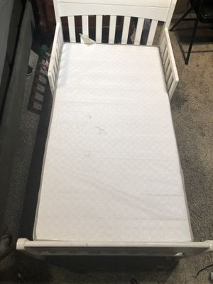 Toddler bed with mattress. for Sale in Norwalk, CA