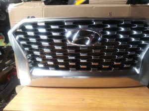 2020 HYUNDAI PALISADE SE.SEL.Plus Chrome front Bumper Grille OEM Usted H 86350 S8150 for Sale in Wilmington, CA