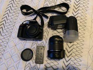 Nikon D3200 DSLR Camera w/ 18-55 Len and Flash for Sale in Southfield, MI