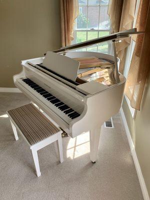 Samick baby grand piano for Sale in Morton, IL