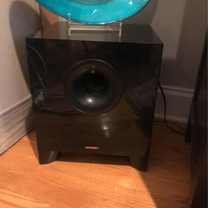 Energy-Take Classic 5.1 Home Theater Speaker System With 200W Subwoofer for Sale in Brooklyn, NY