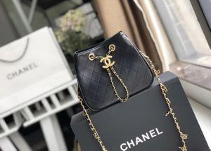 CHANEL CROSSBODY BAG for Sale in Miami, FL