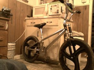 """Haro on stairoids 20"""" Haro frame nice triple tree and some beefy handel bars cant for get those mag wheels and 20x3 tire for Sale in Lawton, OK"""