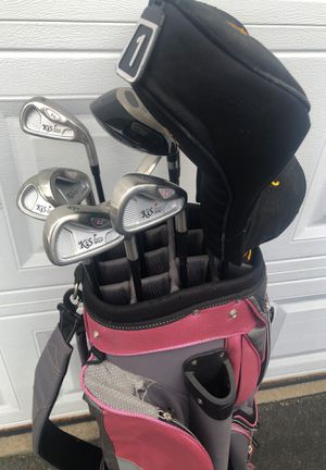 Women's Golf Clubs. Full set 3 iron through Driver including Bag for Sale in Johnsburg, IL