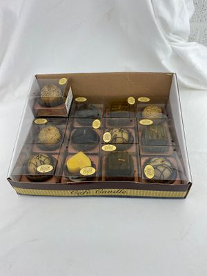 13 chocolate scented candles - cafe candles for Sale in Port St. Lucie, FL