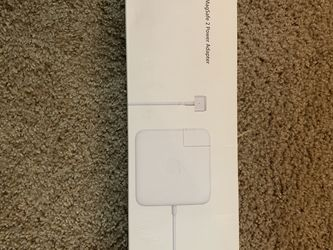 Apple 85W MagSafe 2 Power Adapter (for MacBook Pro with Retina display) for Sale in Fresno,  CA
