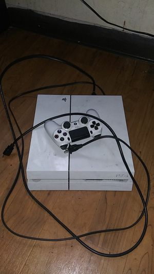 white ps4 for Sale in Oakland, CA
