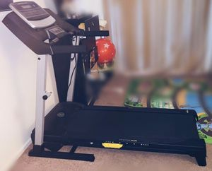 Gold's Gym Trainer 430i Treadmill for Sale in Denver, CO