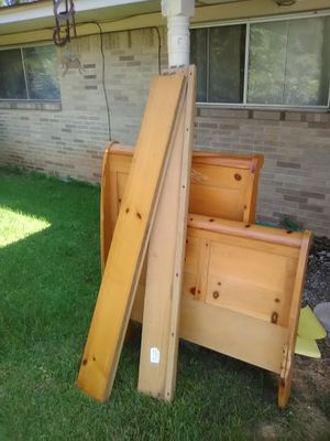 Full size bed frame set for Sale in Marshall, TX