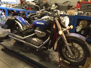 PARTING OUT Suzuki 2002 VL800 800 Intruder Motorcycle Seat Fuel Gas Tank Pump Carburetor Wheel Rim Forks Muffler Exhaust Saddlebags for Sale in Fontana, CA