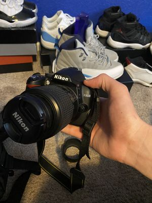 Nikon d3000 for Sale in Commerce City, CO