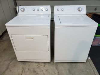 Whirlpool Ultimate Care II washer/dryer combo for Sale in Sherwood,  OR