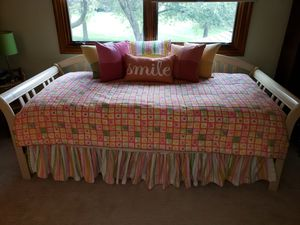 Daybed bedding and pillows for Sale in Naperville, IL
