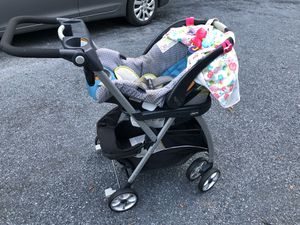 Chico car seat and snap and go for Sale in Liberty, NC