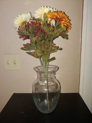 Vase w/ flowers for Sale in Tampa, FL