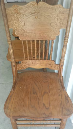 Set oak dining chairs for Sale in Chesapeake, VA