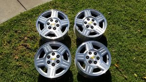 Alloy rims 17 inch 2008 Chevy Avalanche for Sale in Cheney, KS