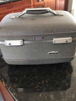 Vintage Make Up Case, Tiara for Sale in Long Beach,  CA