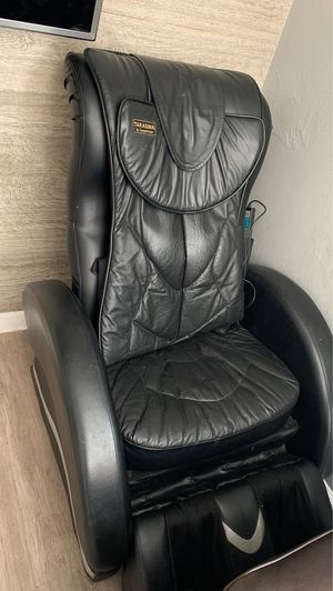 Massage chair for Sale in Los Angeles, CA