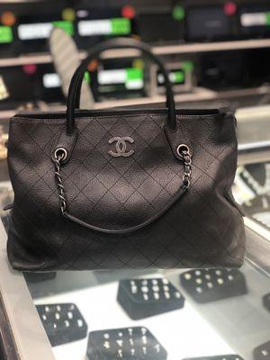 Genuine Chanel tote purse for Sale in Orlando, FL