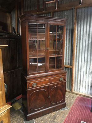 VINTAGE MAHOGANY CABINET for Sale in Lakeside, CA