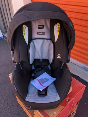 Britax B-Safe 35 Dual Comfort Infant Car Seat, Black/Gray for Sale in Garden Grove, CA