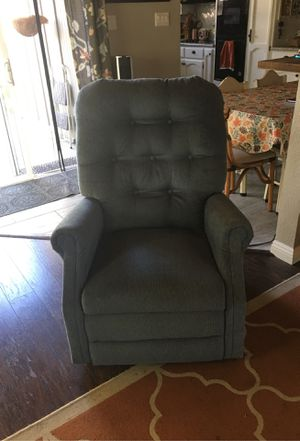 Pride brand, blue Valore, hydraulic chair lift and recliner for Sale in Vista, CA