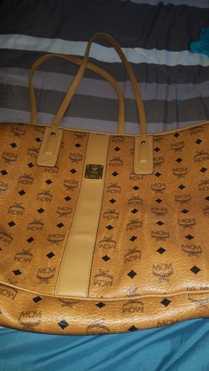 Large Authentic Mcm bag for Sale in Gardena, CA