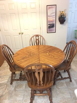 Solid wood dining table, chairs & 2 sides table pads for Sale in Chico, CA