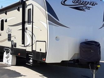Travel Trailer Cougar 6 Years Warranty Like NEW CONDITIONt for Sale in Los Angeles,  CA